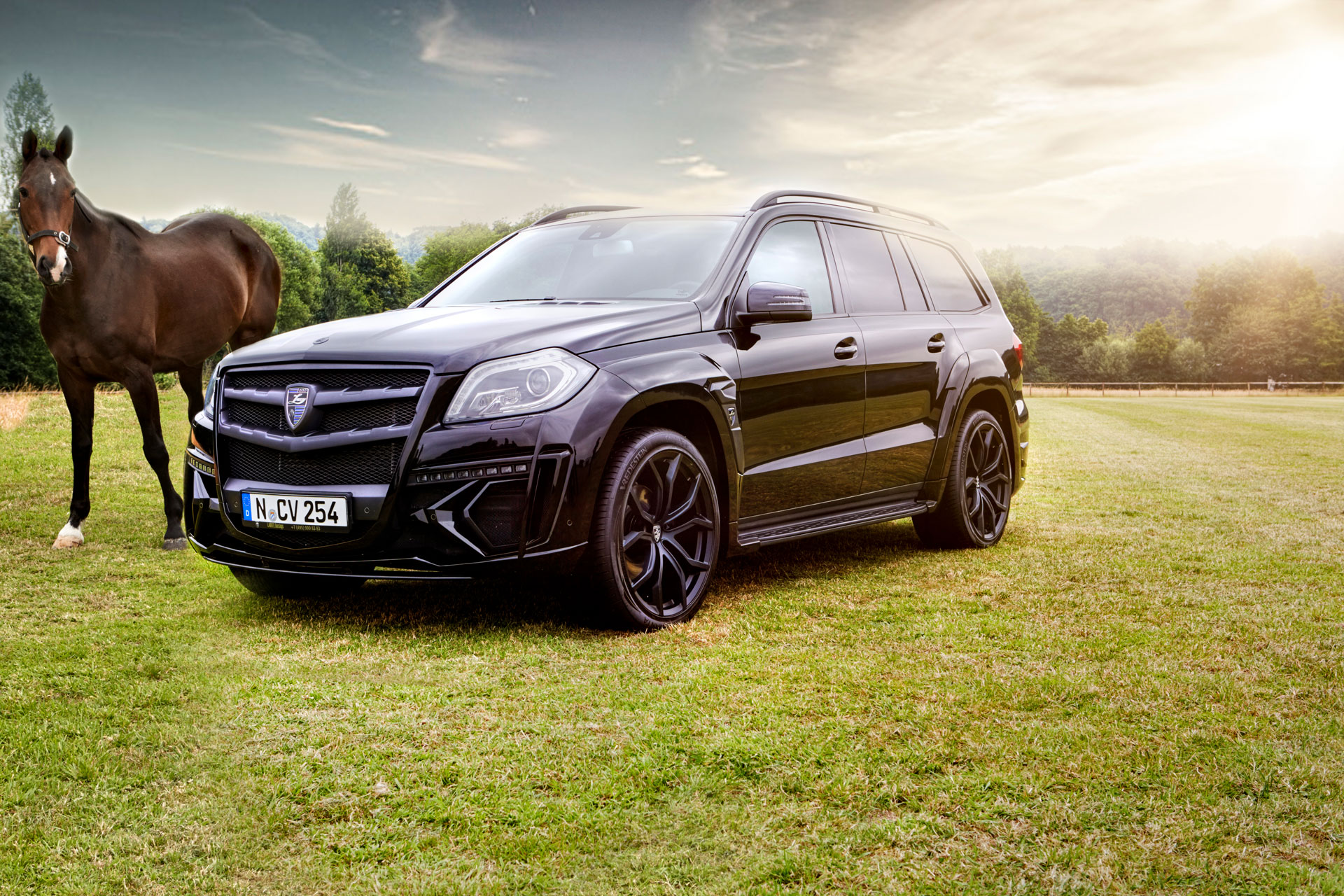 Mercedes GL в обвесе Black Crystal от larte design